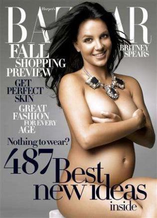 Christina Aguilera Latest to Pose Pregnant and Nude