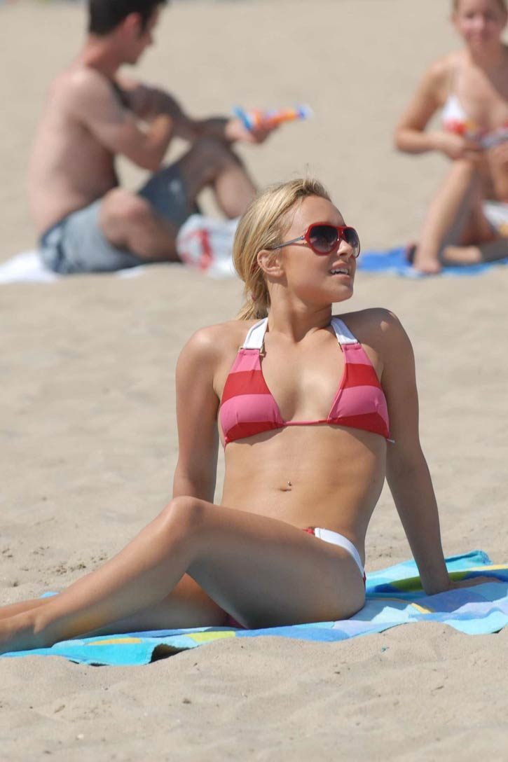 hayden panettiere on the beach