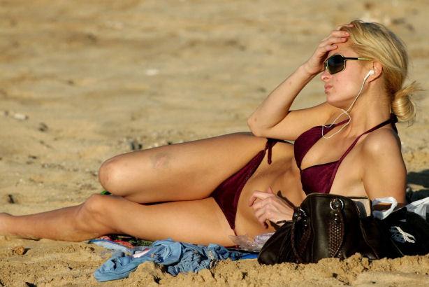 parishilton_bikini.jpg