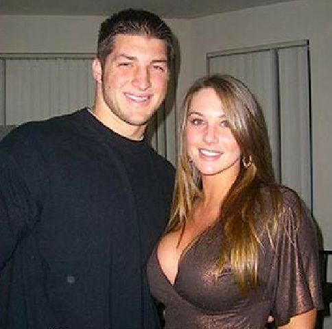 tebow-and-girlfriend