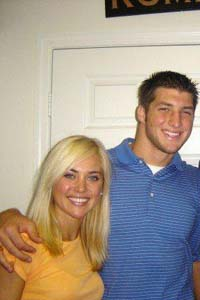 tebow-girlfriend-3
