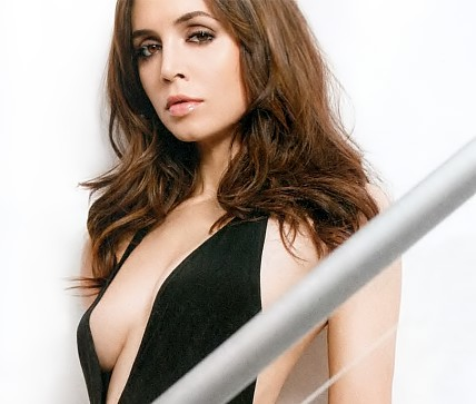 eliza-dushku-fhm