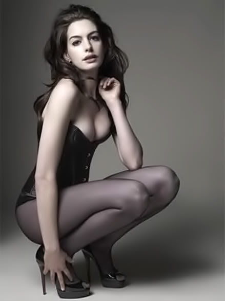 Anne Hathaway Catwoman