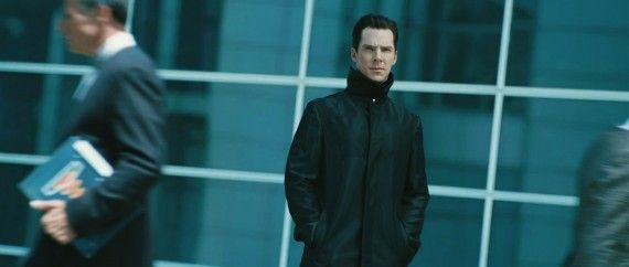 Star-Trek-Into-Darkness-Trailer-Still-John-Harrison-Starfleet-570x242