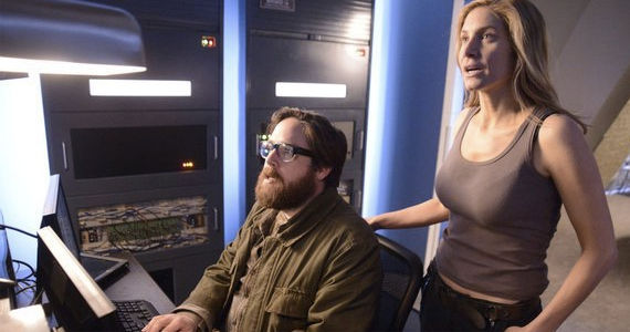 Zak-Orth-and-Elizabeth-Mitchell-in-Revolution-The-Dark-Tower