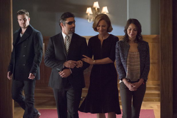 arrow-season-2-the-promise-still-01
