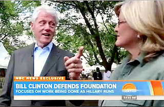 Clinton defend Foundation