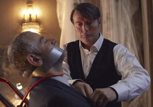 """HANNIBAL -- """"Contorno"""" Episode 305 -- Pictured: (l-r) Fortunato Cerlino as Inspector Pazzi, Mads Mikkelsen as Hannibal Lecter -- (Photo by: Sophie Giraud/NBC)"""