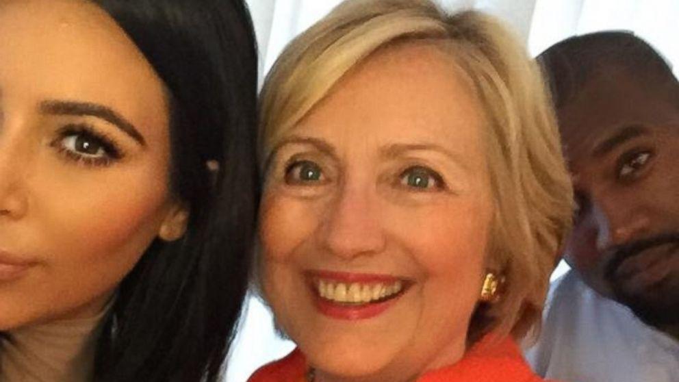 Kim_Kardashian_Hillary_Clinton selfie