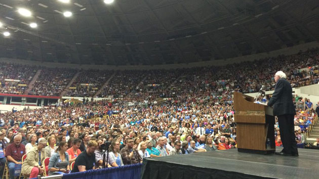 Bernie Sanders Large Crowd