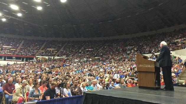 Bernie Sanders Large Crowd